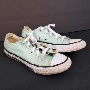 Converse Low Tops Size 2 Youth